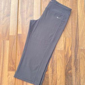Nike dri-fit cropped gray leggings